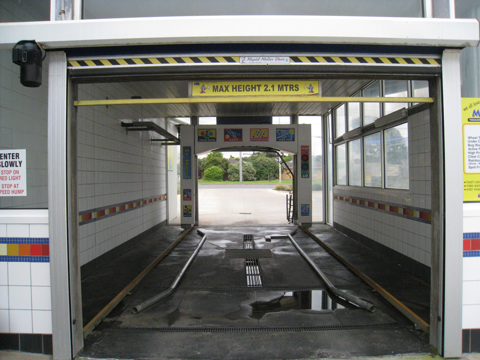 Geelong automatic drive through car wash